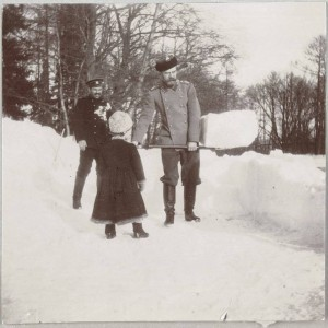 За уборкой снега